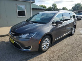 Image for 2017 Chrysler Pacifica Touring L ID: 1600389